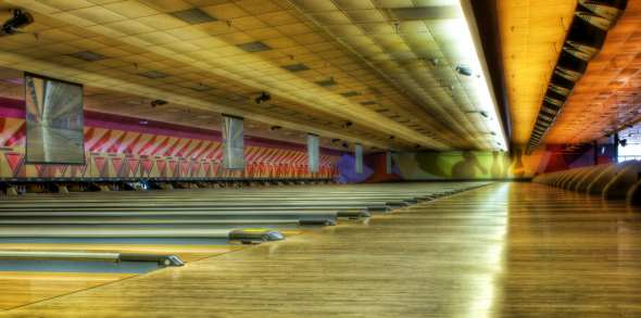 HDR - 300 Bowling Alley